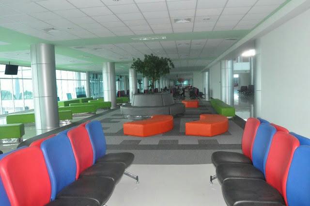 terminal baru bandara tjilik riwut palangkaraya ruang tunggu keren