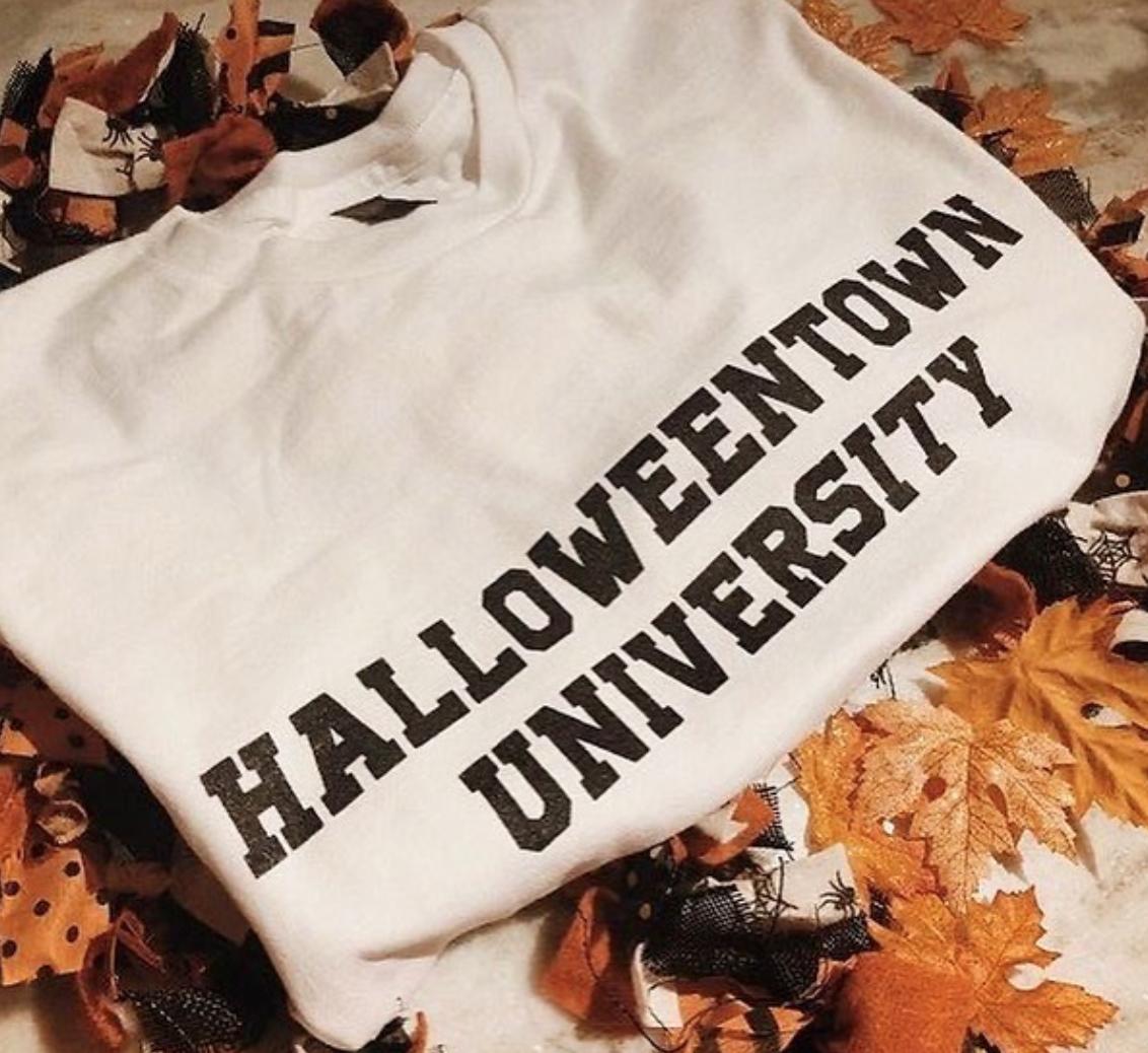 HalloweenTown University Crewneck | biblio-style.com