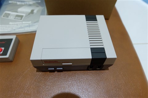 Unboxing NES Classic Mini North American and PAL Version