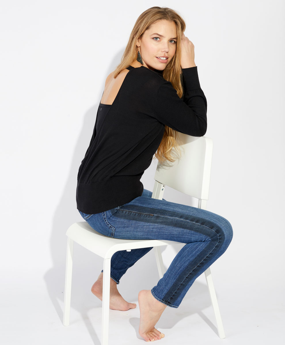 If you re looking for a great sale priced eco sweater and if you wear a  size large you re in luck! Wear Pact has a very stylish cut out back 100%  organic ... d31876312