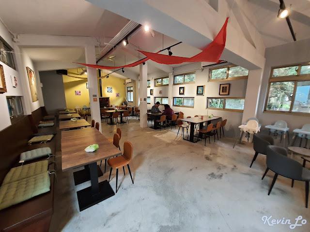 拉波波村營區村長餐廳