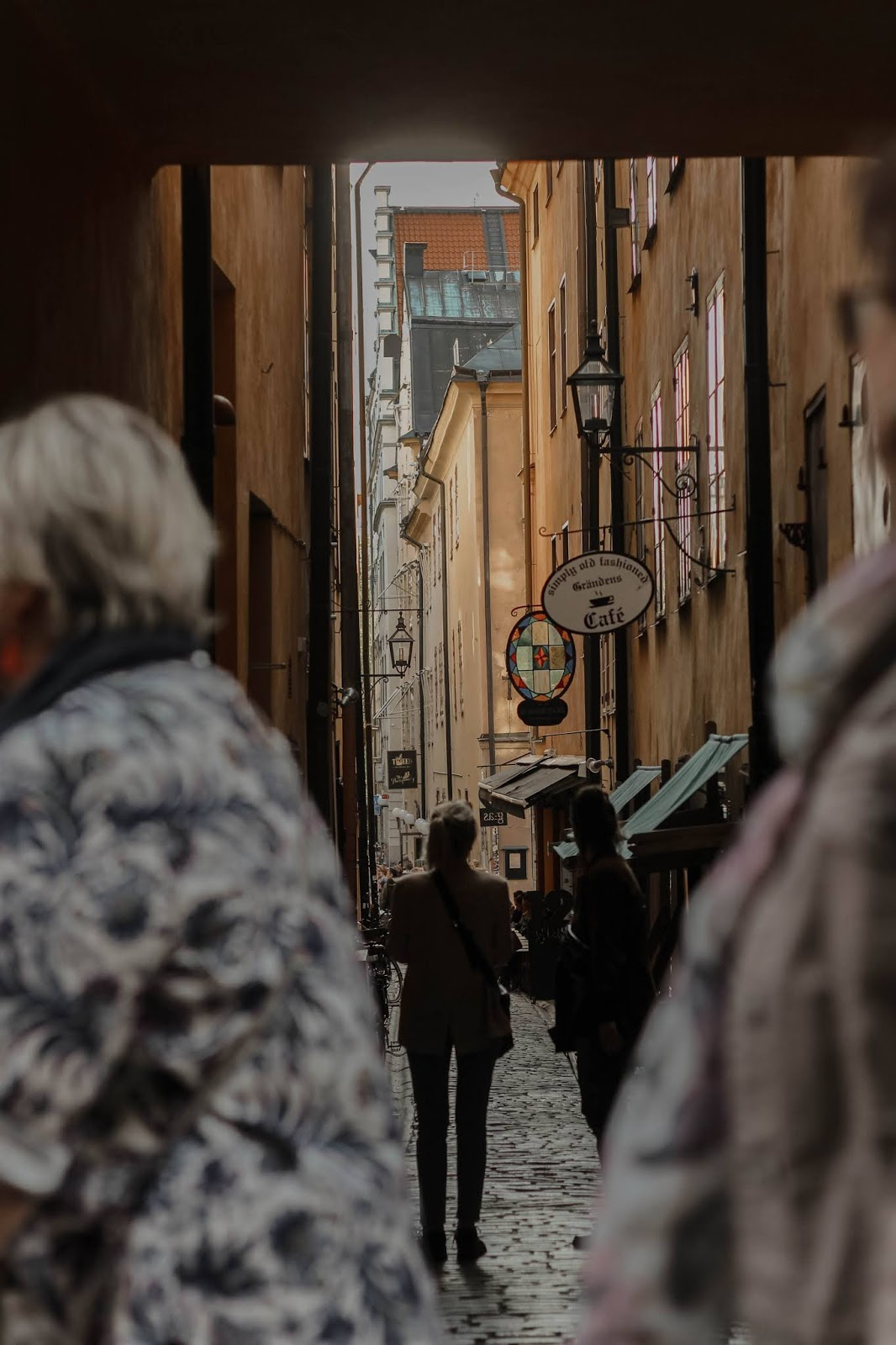 What to do in stockholm on a budget, tourist in stockholm, travel blog post. Visit Gamla Stan, Old Town. Visit Stockholm