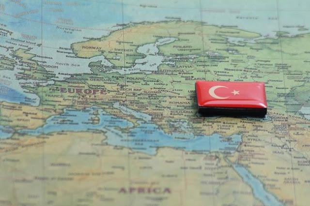 Λευκός Οίκος και Κρεμλίνο «φουσκώνουν» τα μυαλά του Ερντογάν
