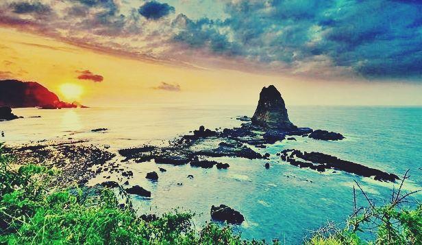 Gambar lokasi paling indah di Pantai Papuma Jember, Jawa Timur