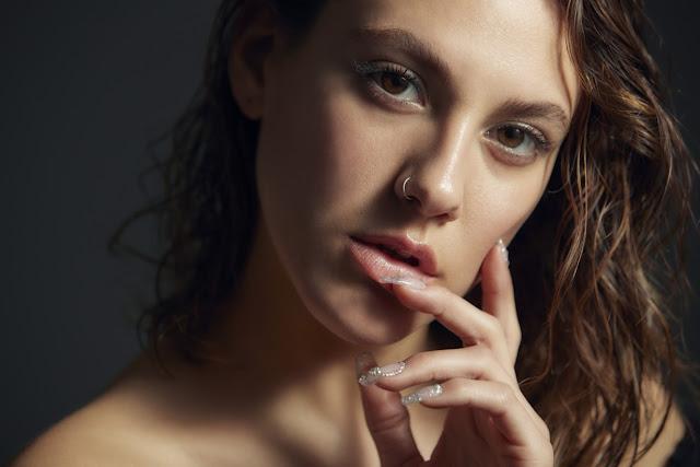 """Antonia Bosman llega a refrescar la escena nacional con su segundo sencillo """"Desayuno"""""""