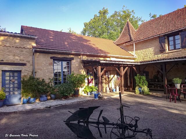Rincones del Jardín del Auberge de Castel Merle - Francia por El Guisante Verde Project