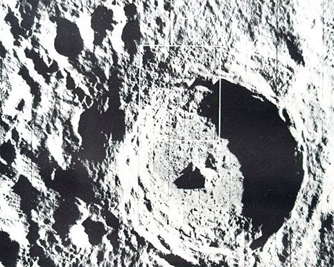 Chính phủ Mỹ che giấu thông tin 250 triệu người ngoài hành tinh đang sống trên Mặt Trăng