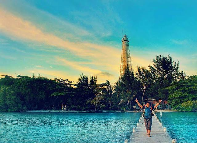 Mercusuar instagramable yang ada di pulau biawak Indramayu