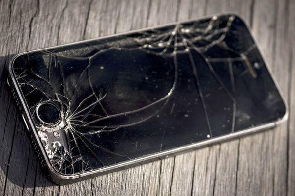 تقارير: آبل تعمل على شاشات جديدة بتقنية التصليح الذاتي