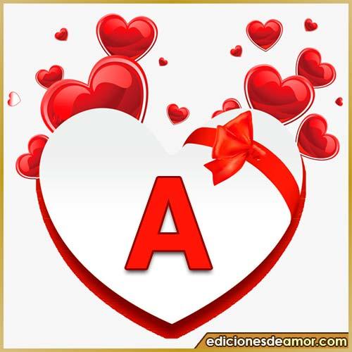 corazones volando con letra A