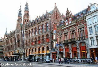 dam square Magna Plaza shopping center Amsterdam