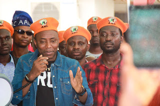 Sowore Rejects Food From DSS, Remains In High Spirits In Detention