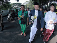 Kenakan Sarung, Walikota Bogor dan 3.000 Santri Meriahkan Kirab Hari Santri