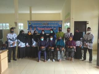 Sinergisitas  Kantor Camat dan Guru Singkep  Selatan Berbagi Sembako