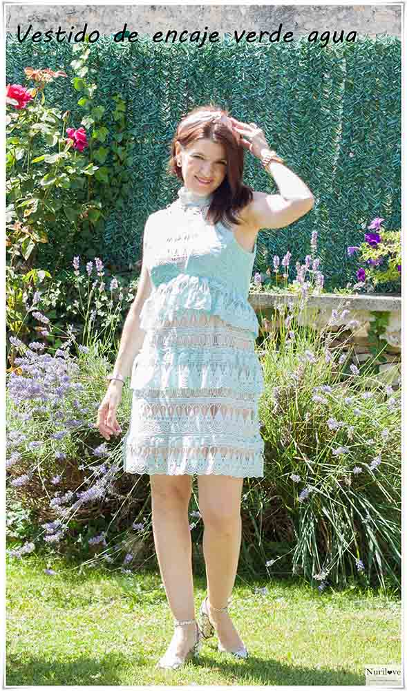Un vestido verde agua de encaje para tu próximo evento