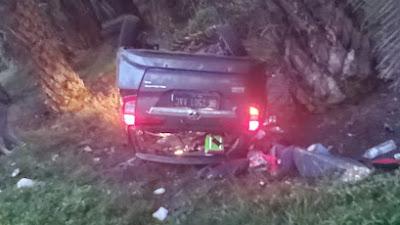 Diduga Pecah Ban, Mobil Toyota Calya Terbalik di Pabatu