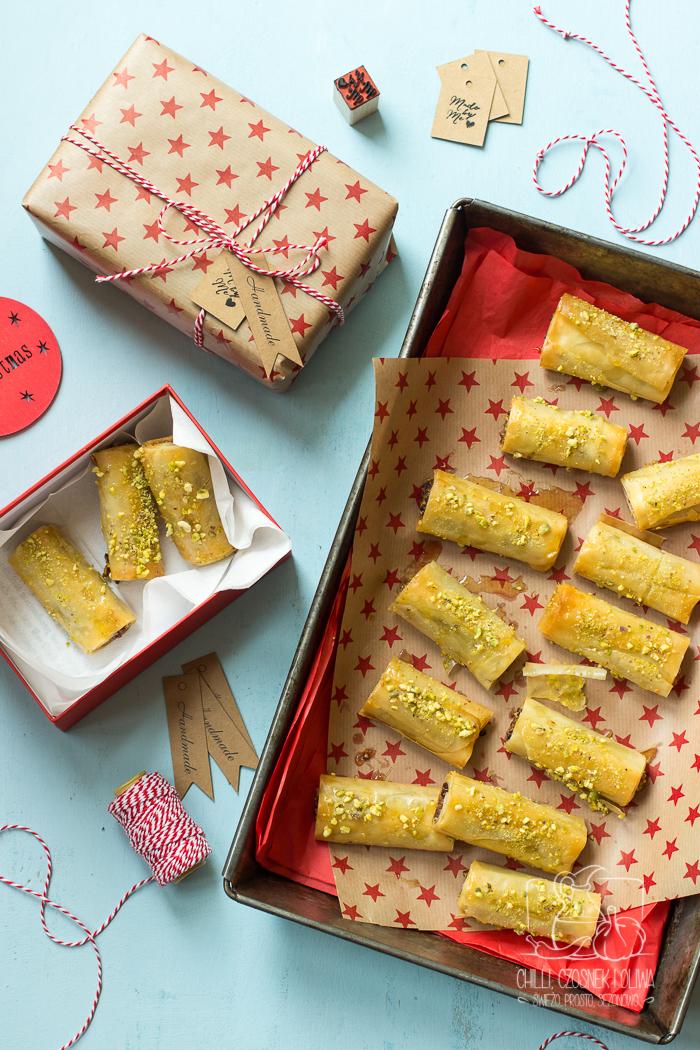 Jadalne prezenty: Prosta baklawa w syropie miodowym (bez cukru) - Chilli, Czosnek i Oliwa