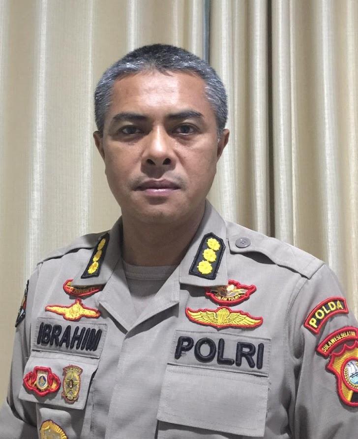 Kabid Humas Polda Sulsel Menjelaskan Terkait  Diamankannya Beberapa Pengunjuk Rasa di Mapolrestabes Makassar