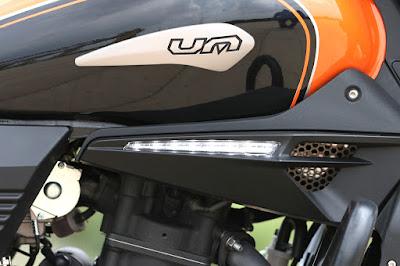 2016 UM Renegade Sport S fuel tank