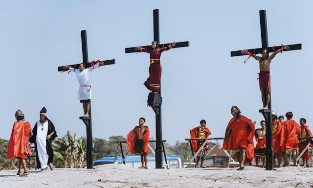Crucifixiones por ritual de Viernes Santo en Filipinas