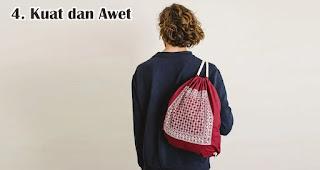 Kuat dan Awet merupakan keunggulan menggunakan tas serut sebagai souvenir dan barang promosi