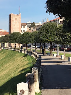 The Via dei Martiri in Bassano del Grappa celebrates the memory of the massacred partisans
