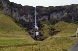 Cascada Foss á Sidu, Islandia.