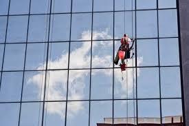 شركة تنظيف واجهات زجاج بالمدينة
