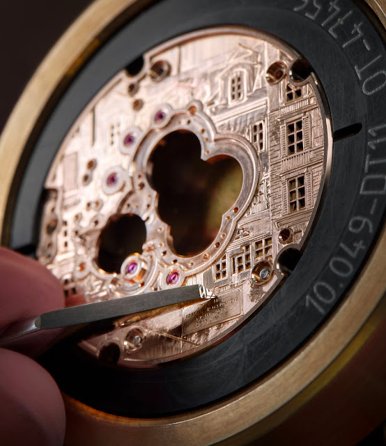 Breguet Classique Double Tourbillon 5345 Quai de l'Horloge, engraving of the back side
