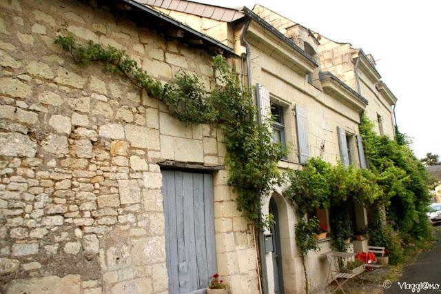 Le tipiche case di tufo bianco di Montsoreau
