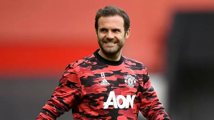 Juan Mata signs one-year contract extension with Manchester United