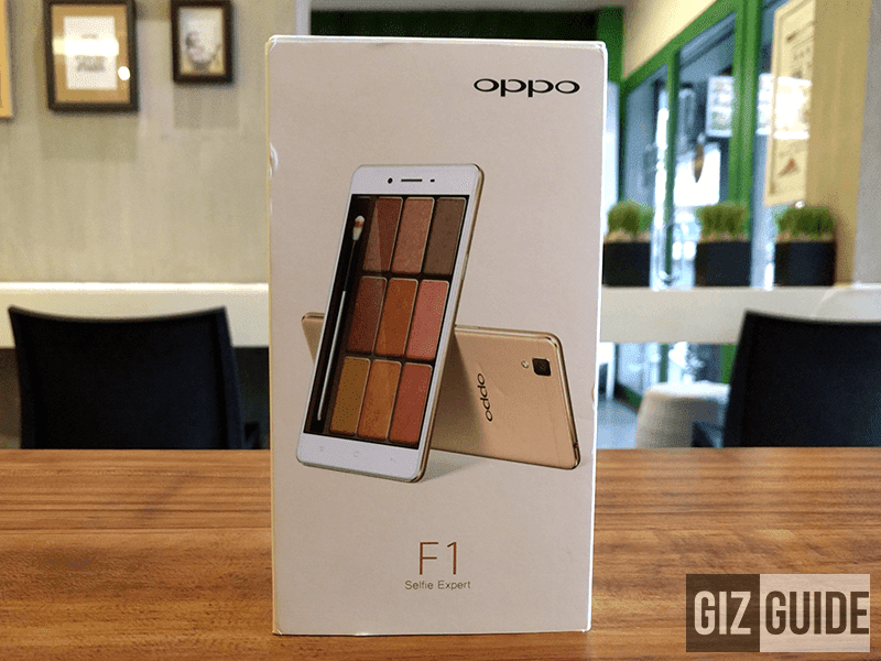 The make up like image of the phone in its packaging