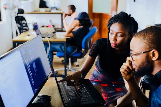 你知道學Python課程語言能力強更有利,女性學得甚至比男性更快嗎?