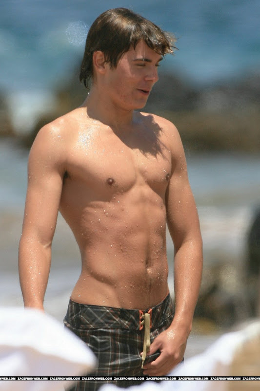 Zac Efron Bio Career Amp Pictures Hollywood Men