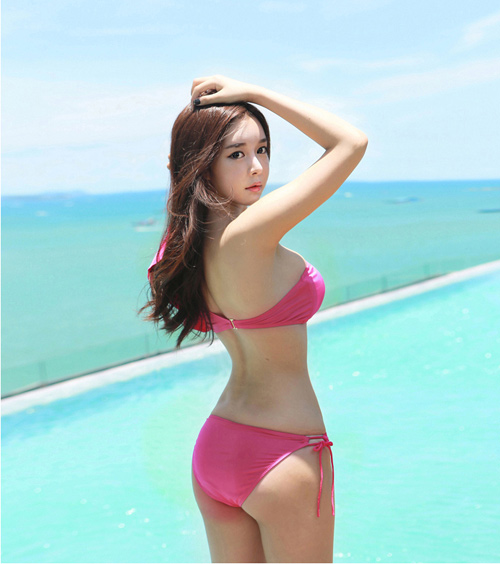 Hot Girl Korean - Cho Min Yeong hot with Bikini Beach