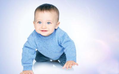 child-watching-innocently-verycutebaby