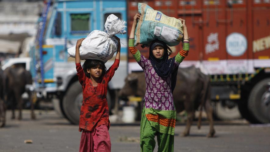 नई शिक्षा नीति क्या लड़कियों की स्कूल वापसी करा पाएगी?