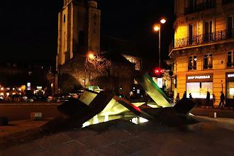 Paris : L'Embâcle, sculpture-fontaine de Charles Daudelin - place du Québec - VIème