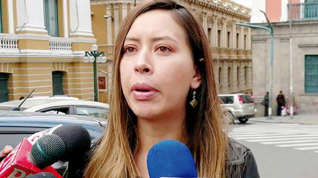 Denuncian que diputada Valeria Silva escondió 112 denuncias cuando presidía la Comisión de Justicia Plural