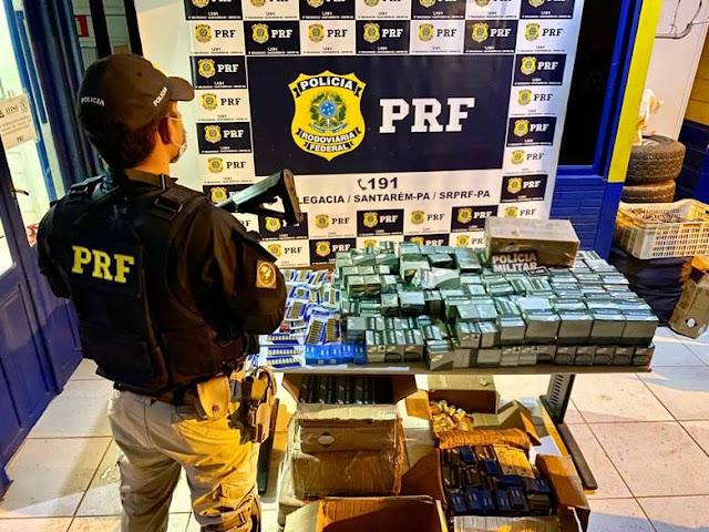 Com apoio da PM e de cães farejadores, PRF apreende quase 11 mil munições na BR-163, em Santarém
