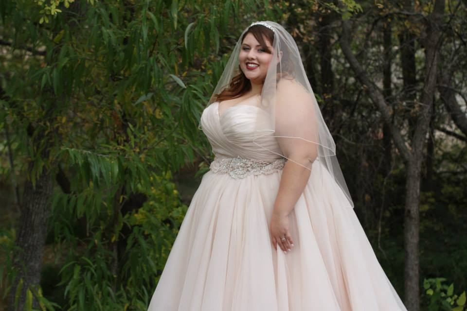 March 2016 bridal and wedding trend for Big girl wedding dresses