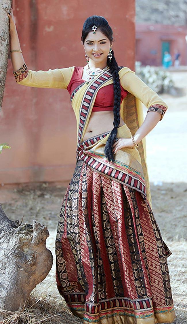 beloved and voluptuous Sanchita hot pics