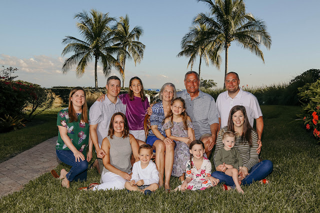 professional photographer on sanibel does family pictures