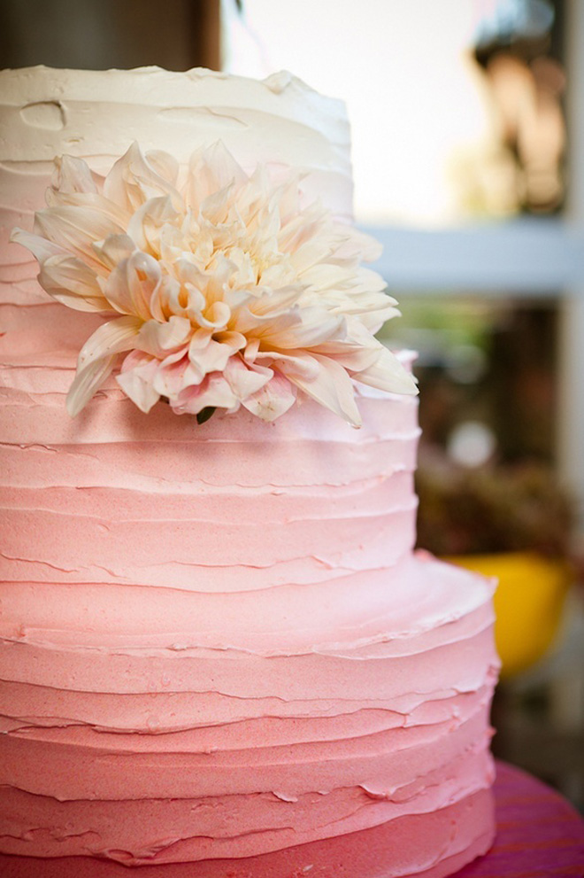 12 Fabulous Ombre Wedding Cakes   Belle The Magazine