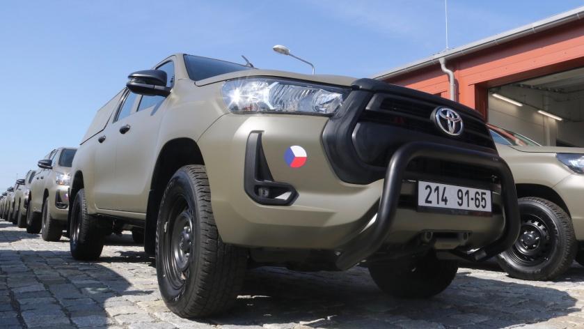 Чехія розпочала заміну УАЗів на Toyota Hilux