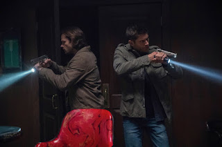 "Jared Padalecki as Sam Winchester and Jensen Ackles as Dean Winchester in Supernatural 13x07 ""War of the Worlds"""