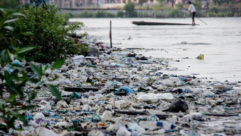 Penelitian INRS: Ahli Berhasil Ubah Limbah Plastik Jadi Air dan Gas