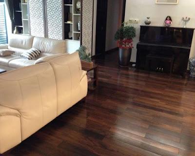 Màu sắc của sàn gỗ tự nhiên chiu liu thu hút mọi ánh nhìn