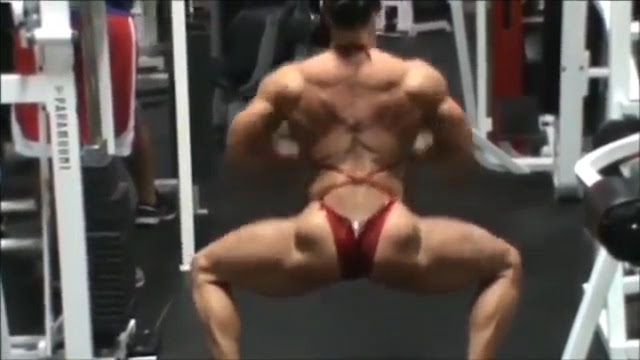 Video strong women Bodybuilding posing for you