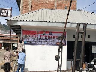 Polsek Anggeraja Polres Enrekang Mendirikan Pos Terpadu Di Pasar Sentral Cakke